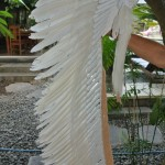 long WAR BONNET medium WHITE head chief feathers leather hand stitched native American Indian NEW 120 cm