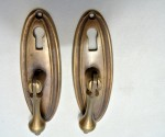 2 pulls drops handles antique style solid brass vintage old replace drawer small door heavy