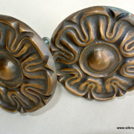 2 rosette back plates solid brass aged cast vintage style heavy 50 mm FLOWER