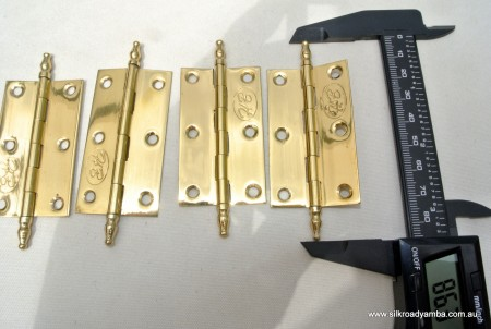 """4 small hinges vintage style solid Brass DOOR BOX 2.1/2"""" polished finials flush & screw"""