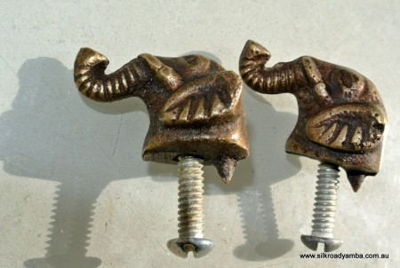2 tiny ELEPHANT shape pulls handles antique solid brass vintage drawer heavy knobs 30 mm
