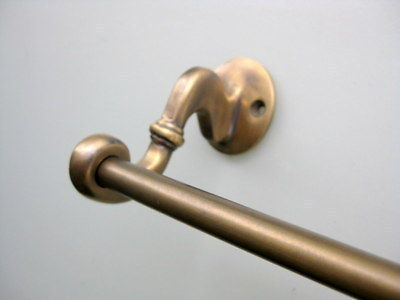 Old antique style towel rail solid brass hang wall door holder 2 ends rail rod B