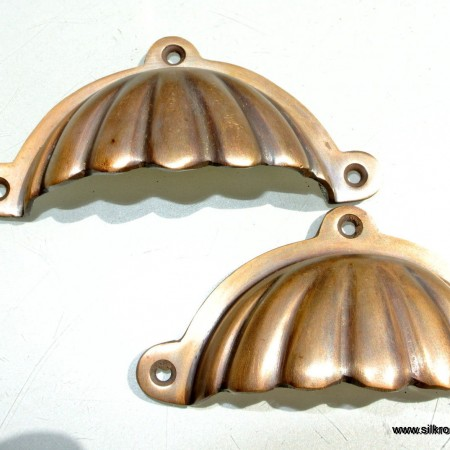 "2 shell shape pulls handles solid brass vintage style 4""drawer heavy"