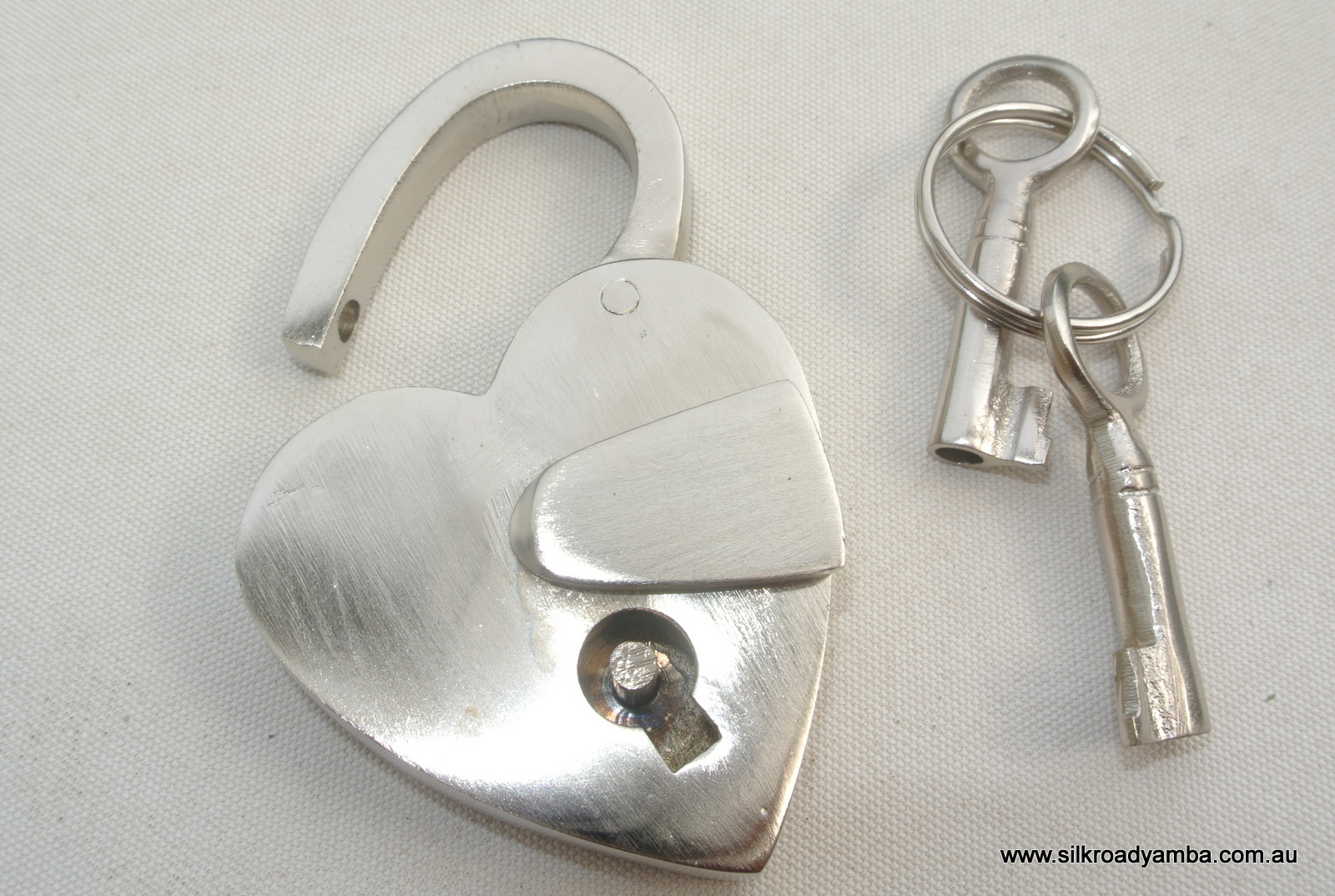 Small Silver Tiny Vintage Style Antique Heart Love