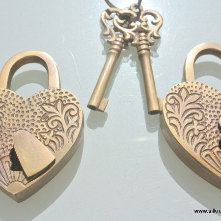"2 EMBOSSED 3"" Vintage style antique ""HEART LOVE PADLOCK "" shape solid brass 2 keys heavy lock works"