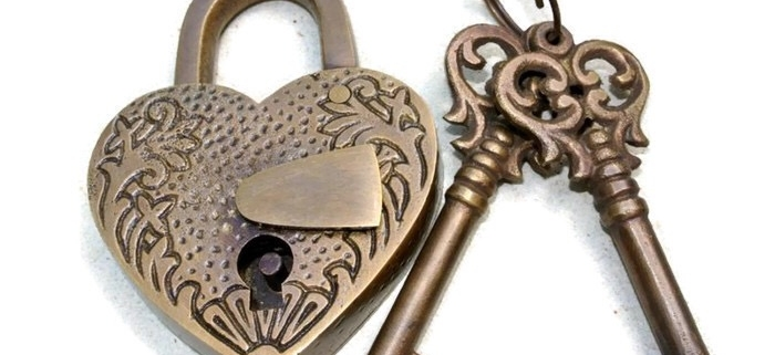 "stunning EMBOSSED 3"" Vintage style antique ""HEART LOVE PADLOCK "" shape solid brass 2 keys heavy lock works polished"