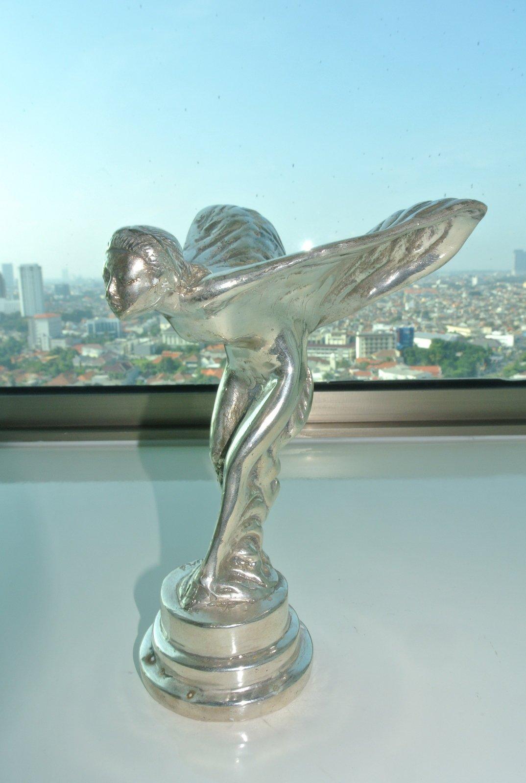 Used Rolls Royce Car Statue Flying Lady Brass Emblem