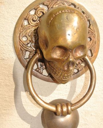 "large round SKULL head ring pull 11.5 cm Handle pure brass 4"" day of the dead door KNOCKER Bronze patina skull skeleton ring grab"